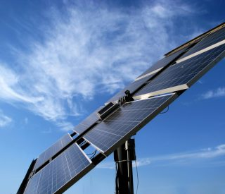 solar-panel-in-the-field-5-1415227-640x480