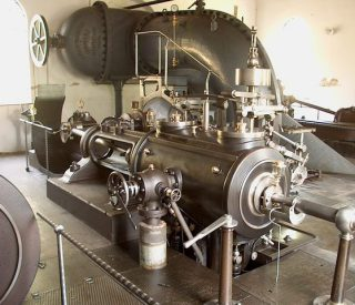 steam-water-pump-1465695-640x480